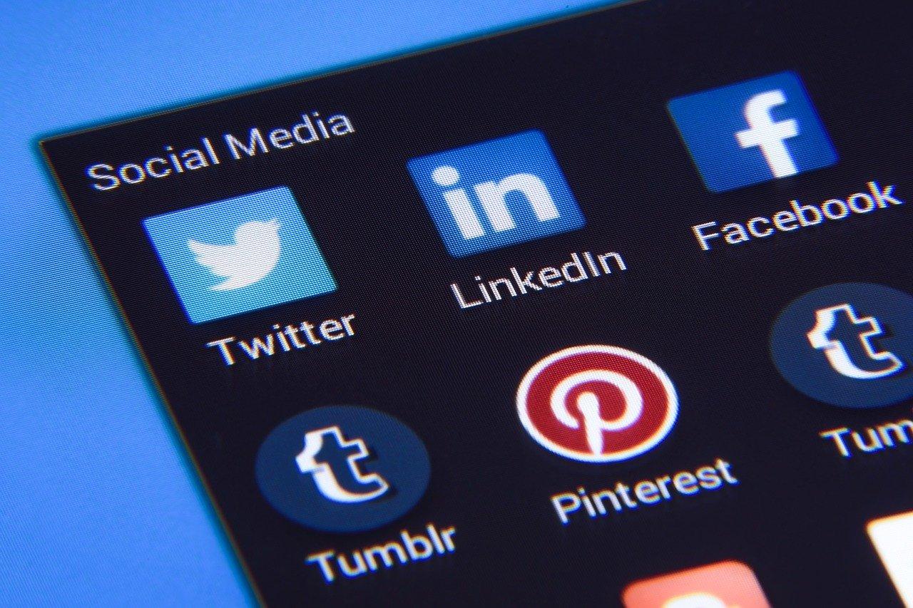 partager son code de parrainage sur facebook, twitter et instagram